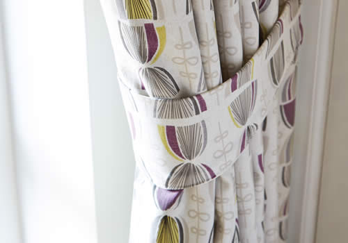 curtains-tieback-mobile-