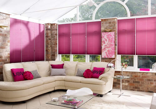 Pleated blinds in Creped Mauve