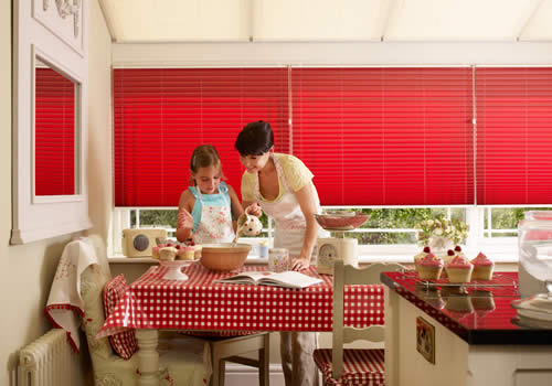 Pleated blinds in colado blush