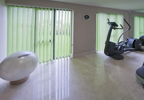 commercial-blinds-vertical-gym-mobile