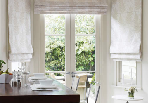 Roman blinds in nevarra almond